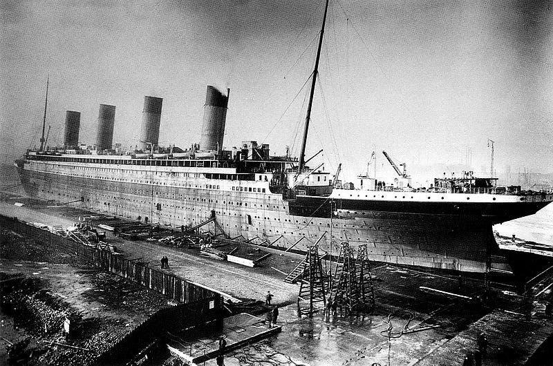 صورة لعدد من الأشغال خلال فترة صناعة سفينة التيتانيك