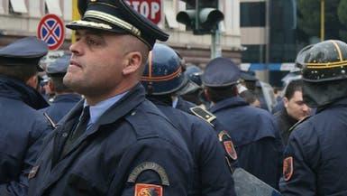 الشرطة الألبانية تطارد مسلحا قتل 8 أفراد من عائلته