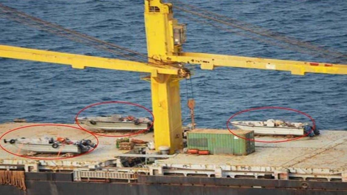 القوارب السريعة المجهزة بالمدافع على متن سفينة سافيز