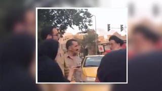 شاهد إيرانية تنتفض بوجه معمم: