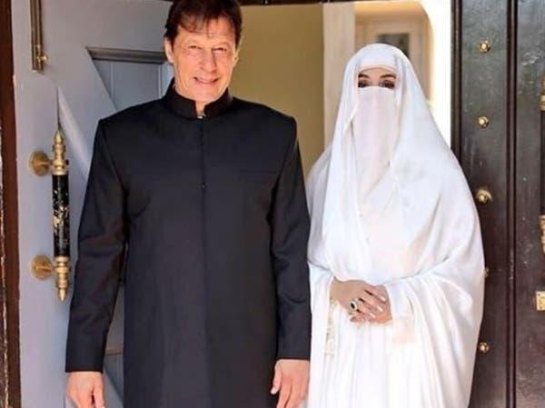 """صور.. """"نقاب"""" زوجة رئيس وزراء باكستان يخطف الأضواء"""