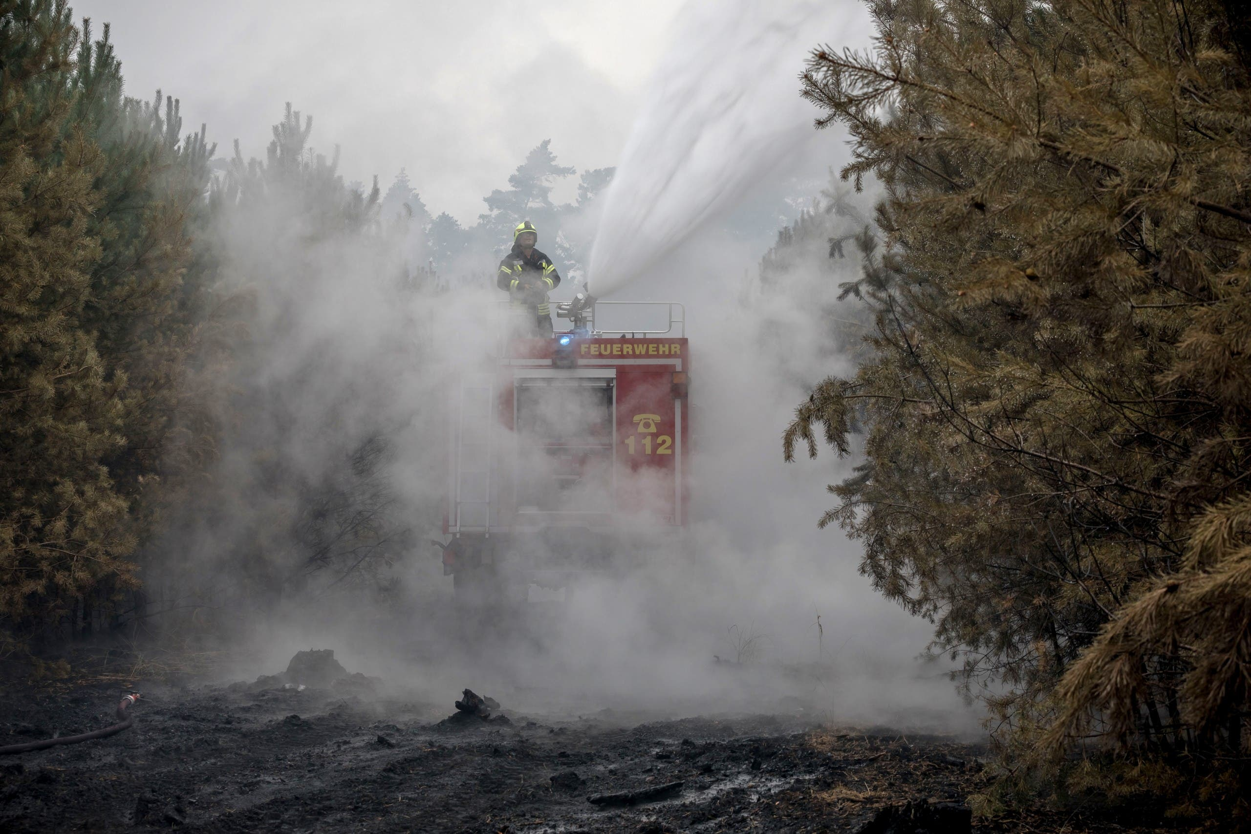 حرائق غابات تهدد قرى ألمانية وتجبر المئات على مغادرة بيوتهم