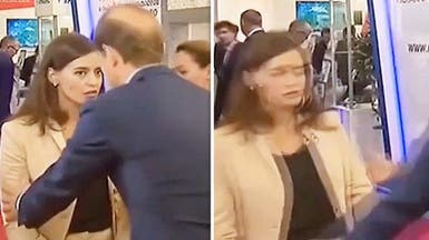 """شاهد مذيعة تفقد الوعي على الهواء..""""نجدة"""" الوزير لم تنفع"""