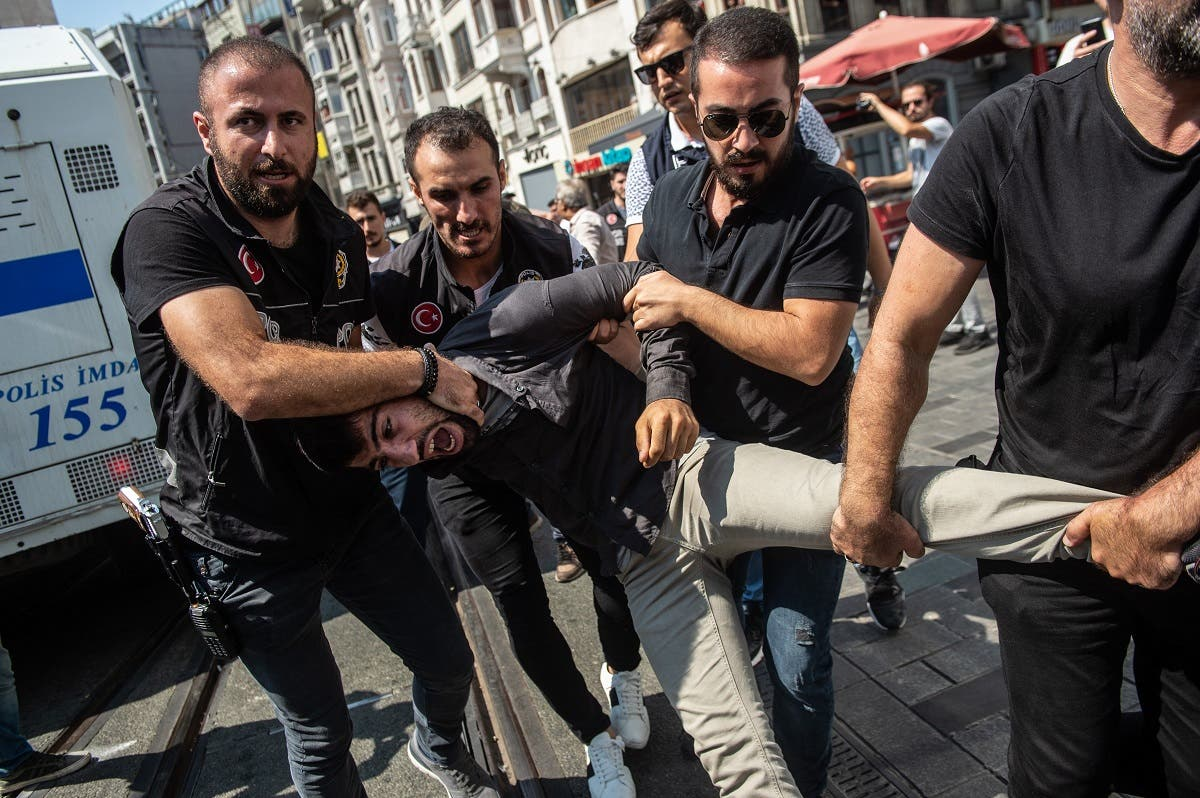 Turkey riot police Mothers protest 2 (AFP)