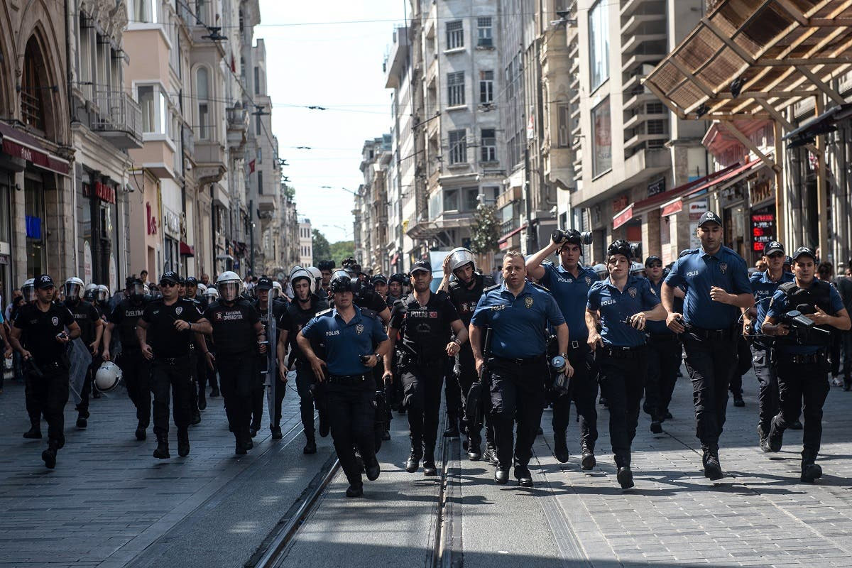 Turkey riot police Mothers protest 1 (AFP)