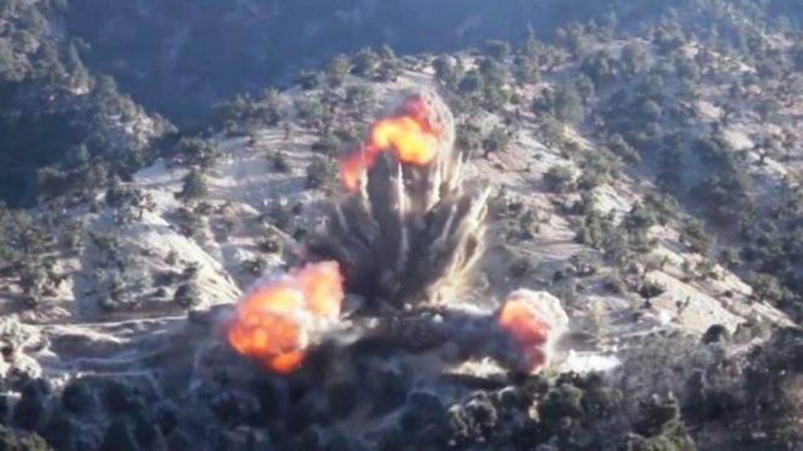 سربازان افغان و خارجی مراکز گروه داعش را بمباران کردند