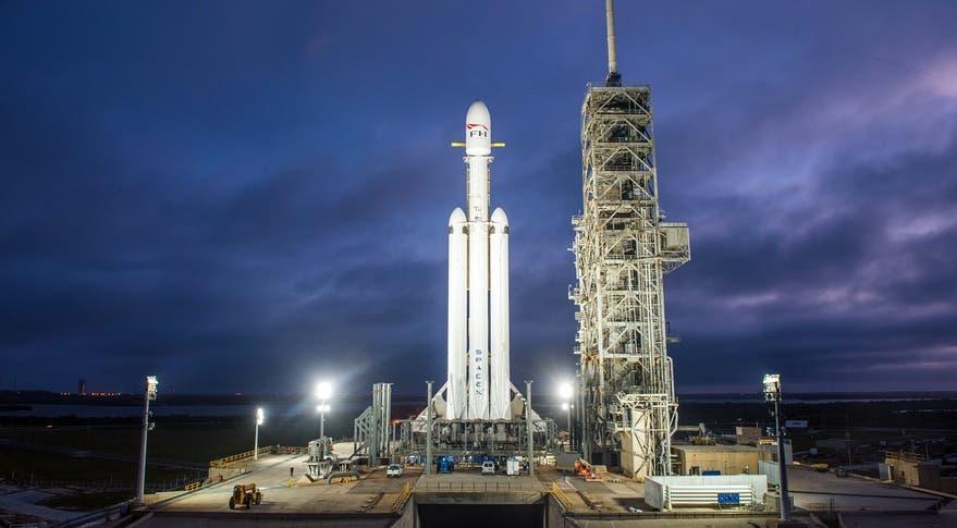 صاروخ طراز فالكون من شركة SpaceX