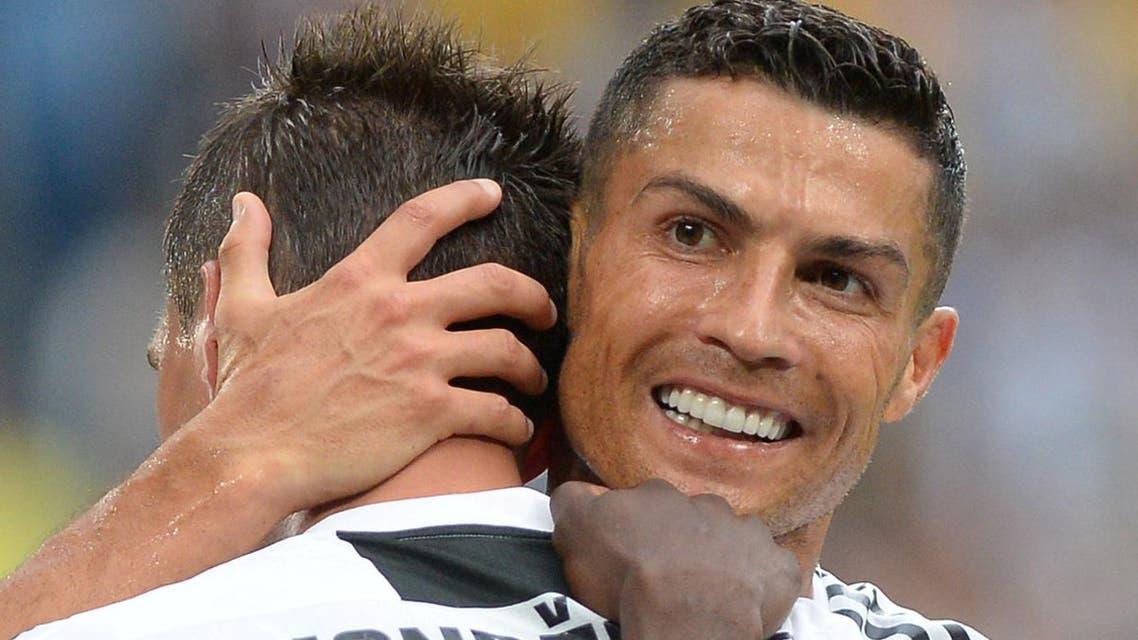 Juventus' Mario Mandzukic celebrates scoring their second goal with Cristiano Ronaldo  reuters