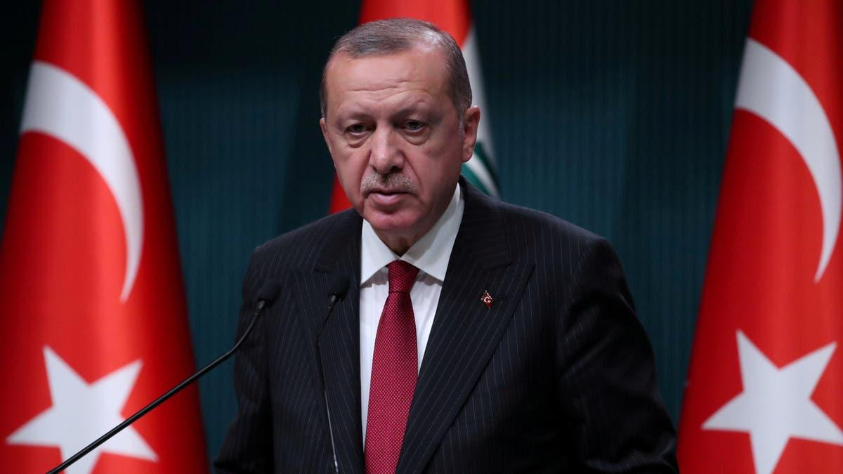 """أردوغان يتصل بعائلة خاشقجي ويعد بـ""""كشف ملابسات"""" قتله"""