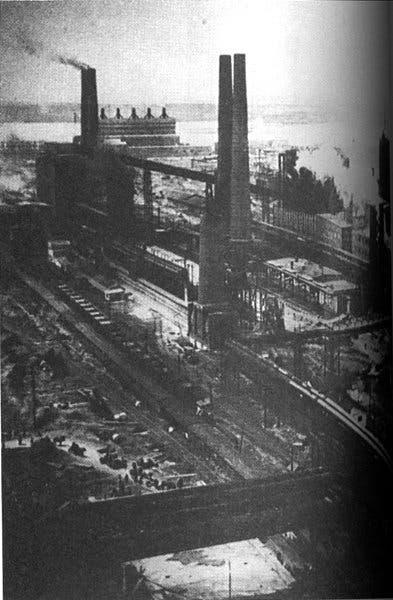 صورة لأحد مصانع الحديد بمدينة مغنيتاغورسك