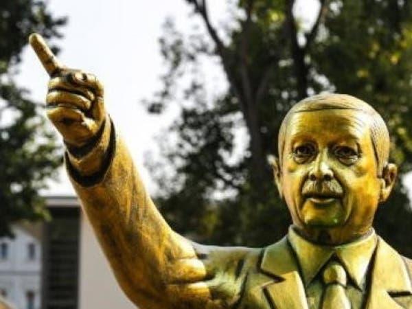 تمثال ذهبي لأردوغان يثير جدلا بألمانيا.. والسلطات تزيله