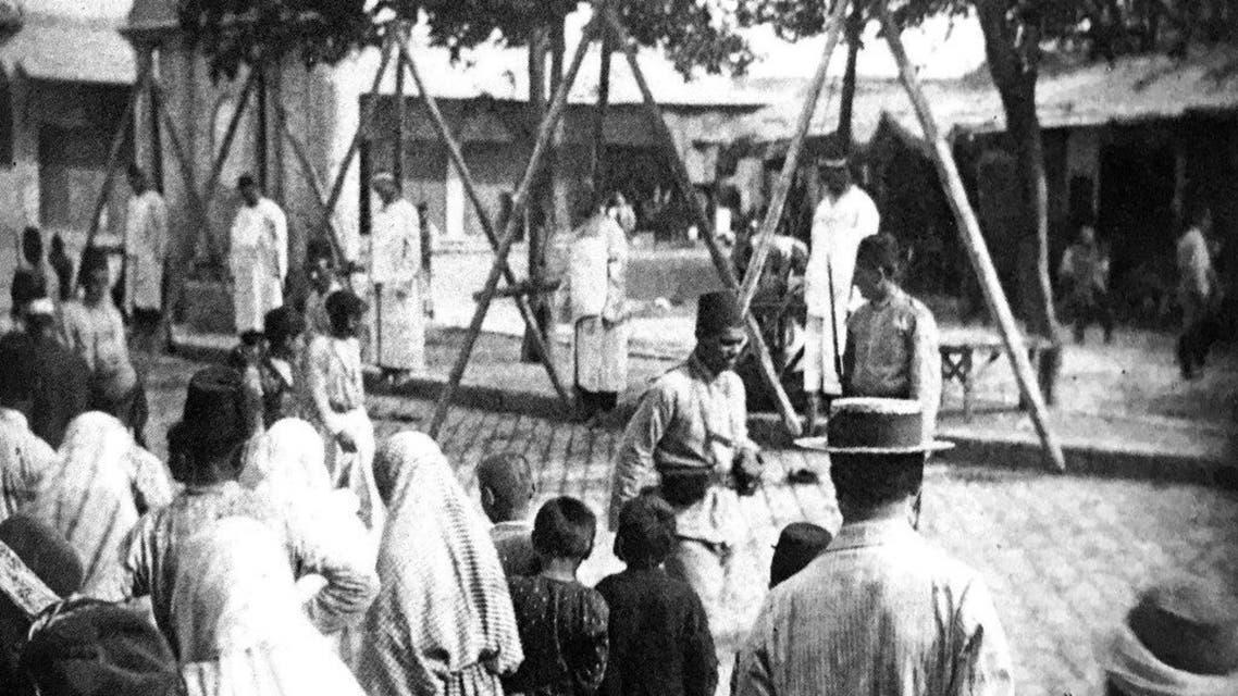صورة لإحدى عمليات إعدام الأرمن التي قادتها القوات العثمانية بأضنة