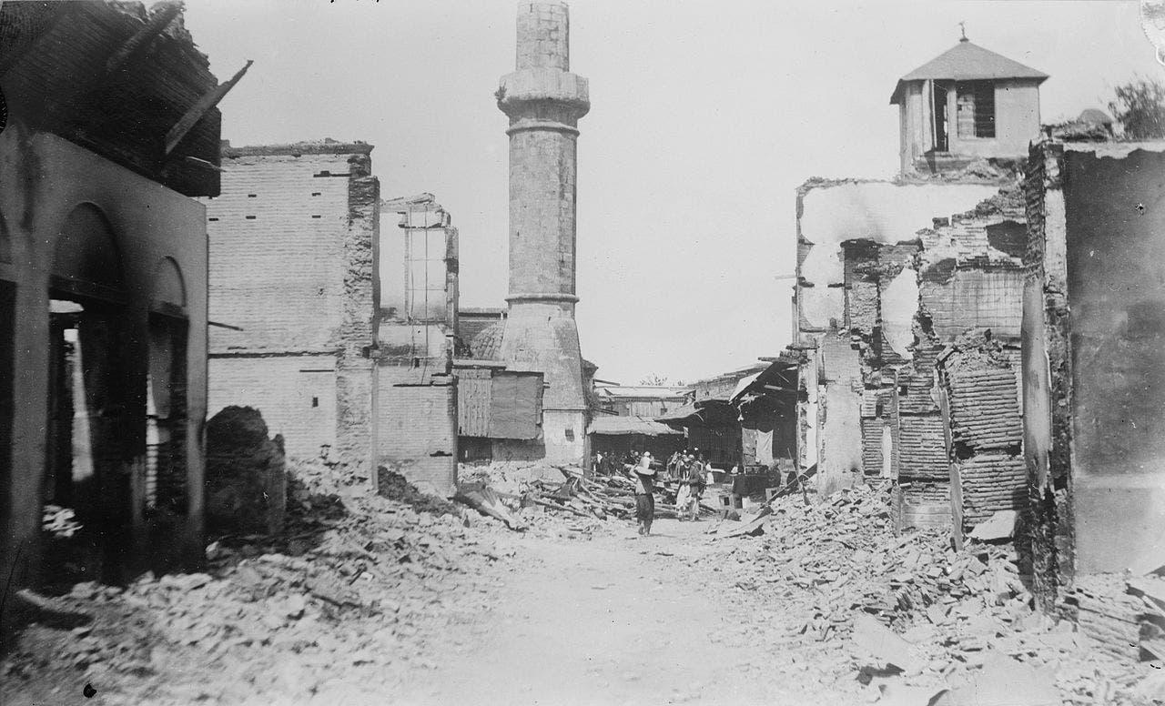 صورة لجانب من الخراب الذي طال مناطق الأرمن وقد اتهم الجيش العثماني بإستخدام البرج العالي لإستهداف الأرمن اثناء المذبحة