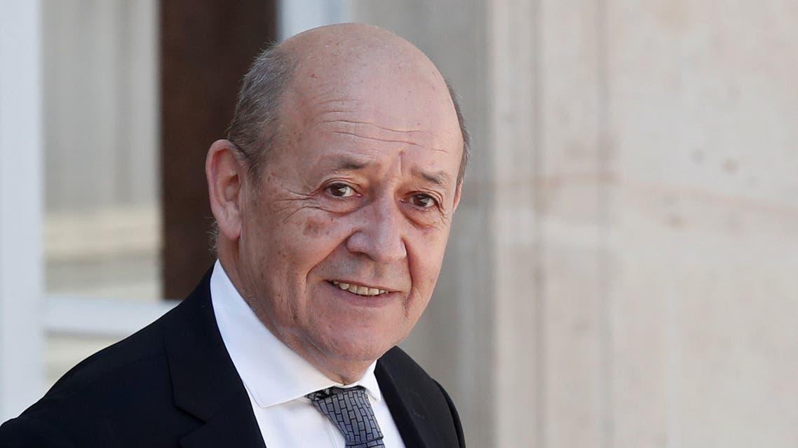 وزير الخارجية الفرنسي جان إيف لودريان في قصر الإليزيه بباريس يوم الثالث من أغسطس