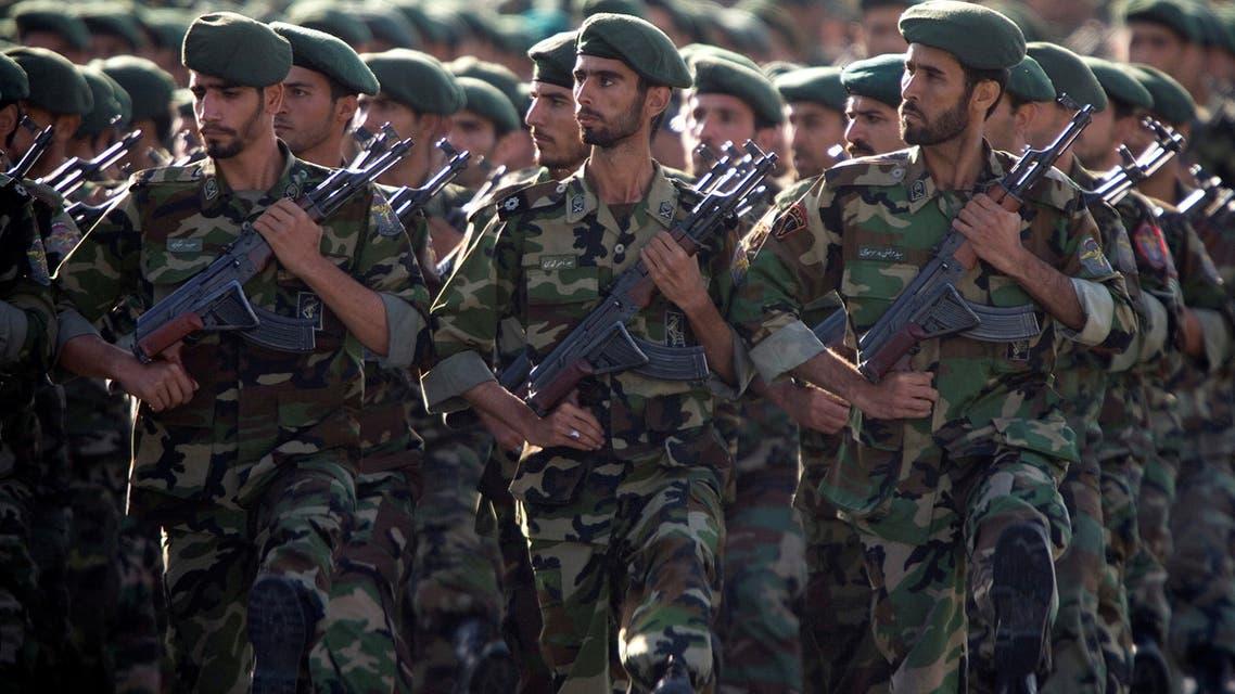 عناصر من الحرس الثوري الإيراني في عرض عسكري في العاصمة طهران