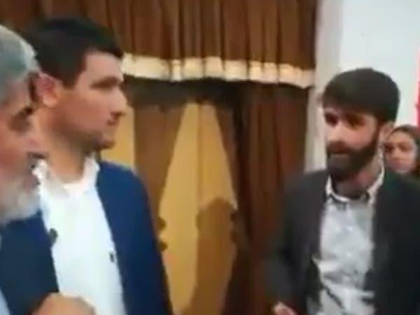 """نائب رئيس برلمان إيران لمواطن """"مقهور"""": أنت أحمق وجاهل"""