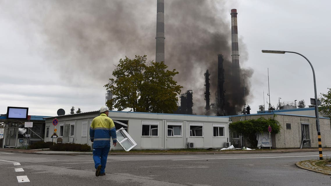 حريق في مصفاة نفط بألمانيا.. وإصابة 8