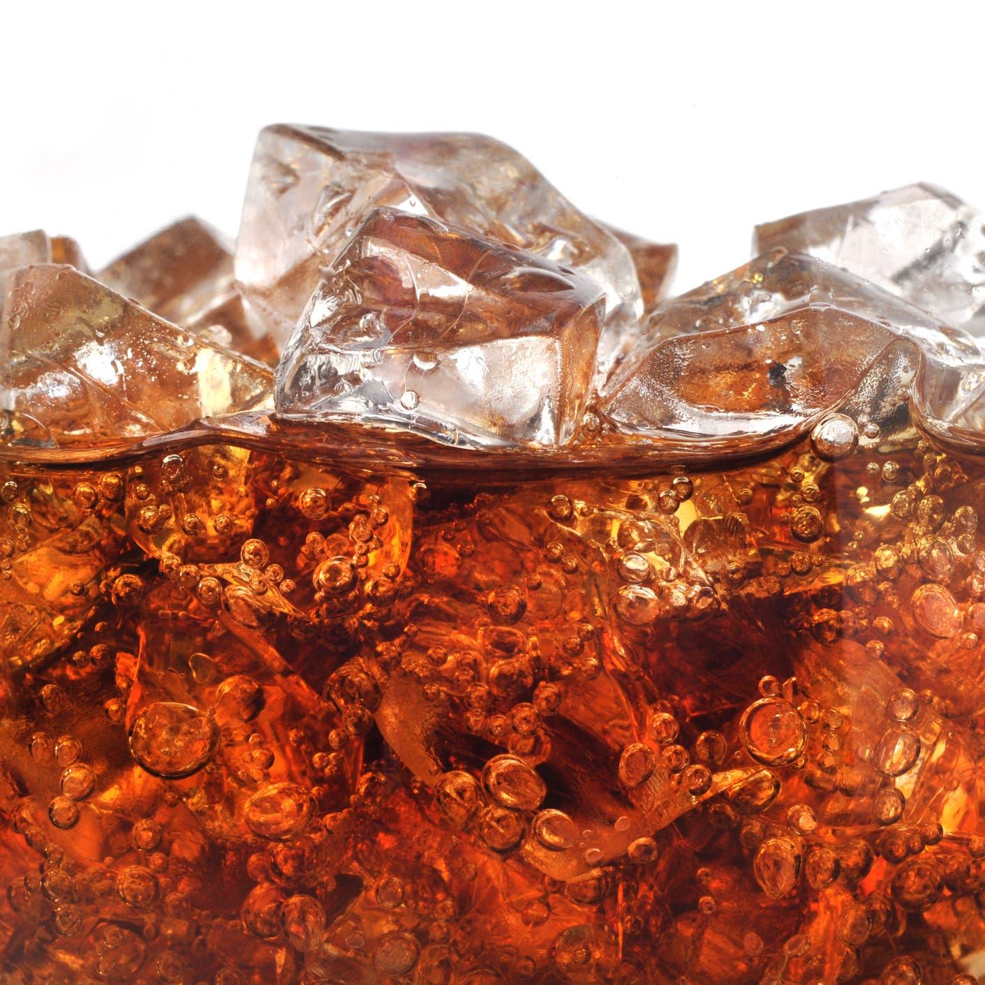 خبراء تغذية يحذرون من مشروبات شهيرة تسبب شيخوخة مبكرة!