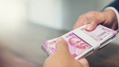 """الهند تحول رجال البريد إلى مصرفيين لمحو """"النبذ المالي"""""""