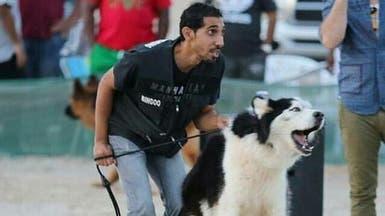 قصة موجعة.. سعودي تفنن بإيذاء القطط تحول لمنقذ حيوانات