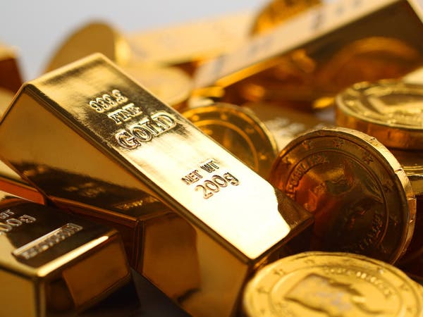 الذهب يعزز موقعه وسط موجة عزوف عن المخاطرة