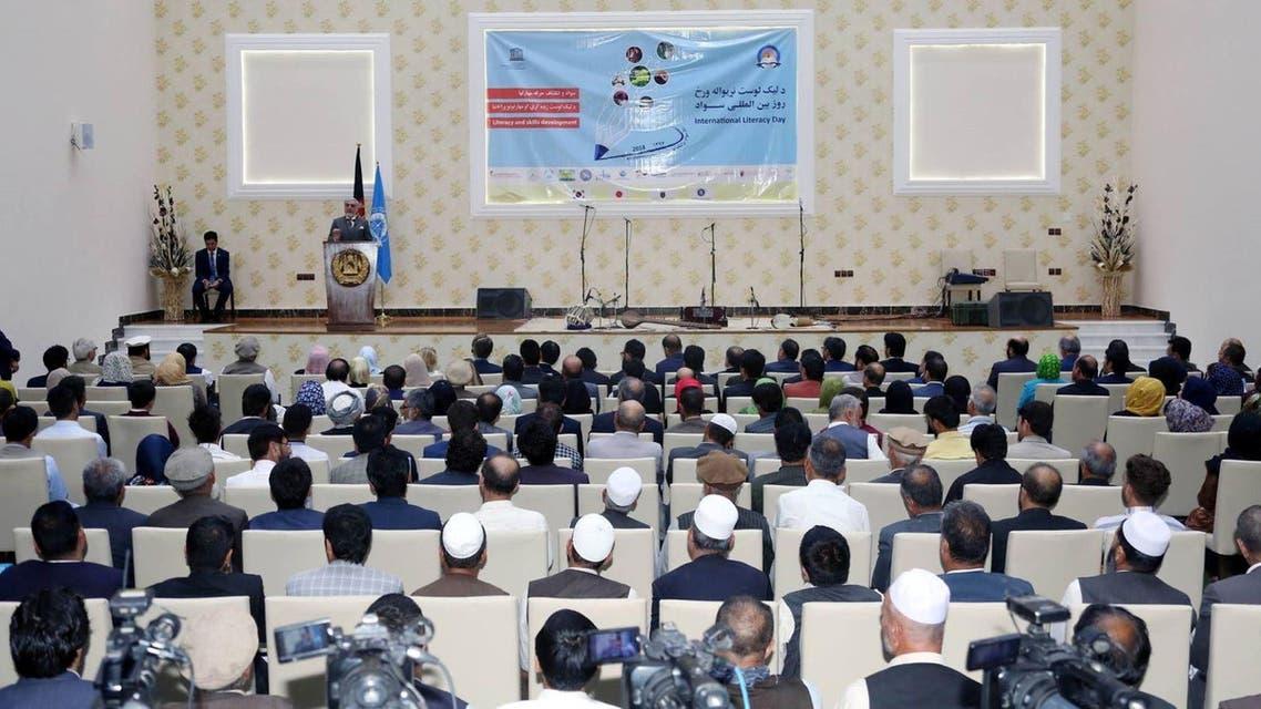 بیش از 60 درصد شهروندان افغانستان بی سواد هستند