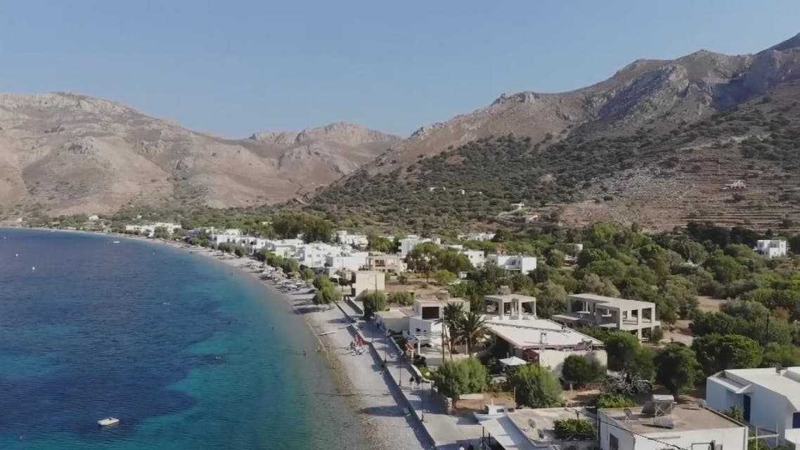 THUMBNAIL_ لماذا علق آلاف السياح في اليونان؟