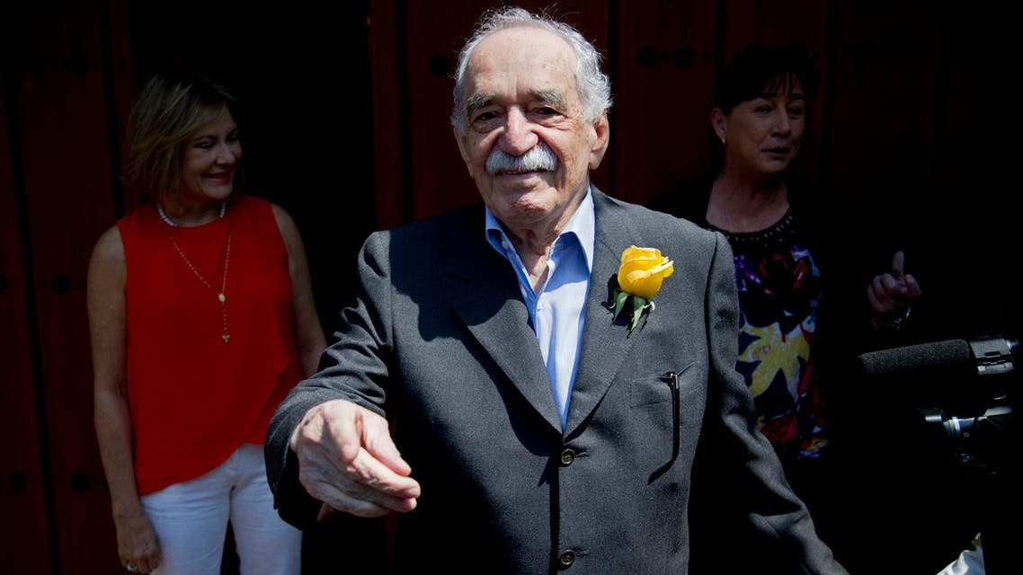 In this March 6, 2014 file photo, Gabriel Garcia Marquez greets fans and reporters outside his home on his birthday in Mexico City. (AP)