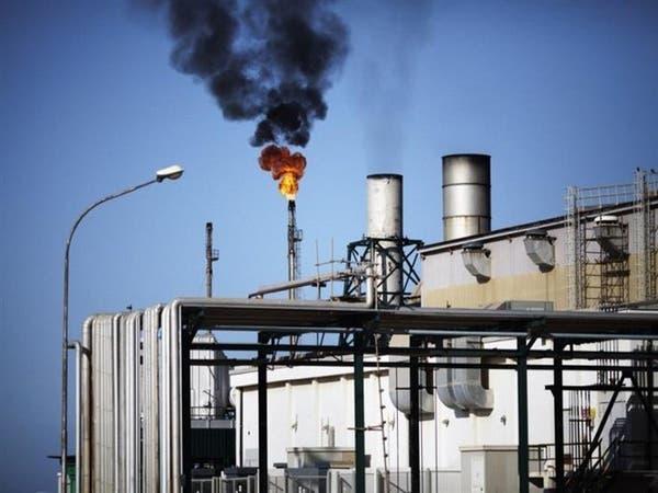 حريق نتيجة قصف قرب خزانات نفط جنوب طرابلس