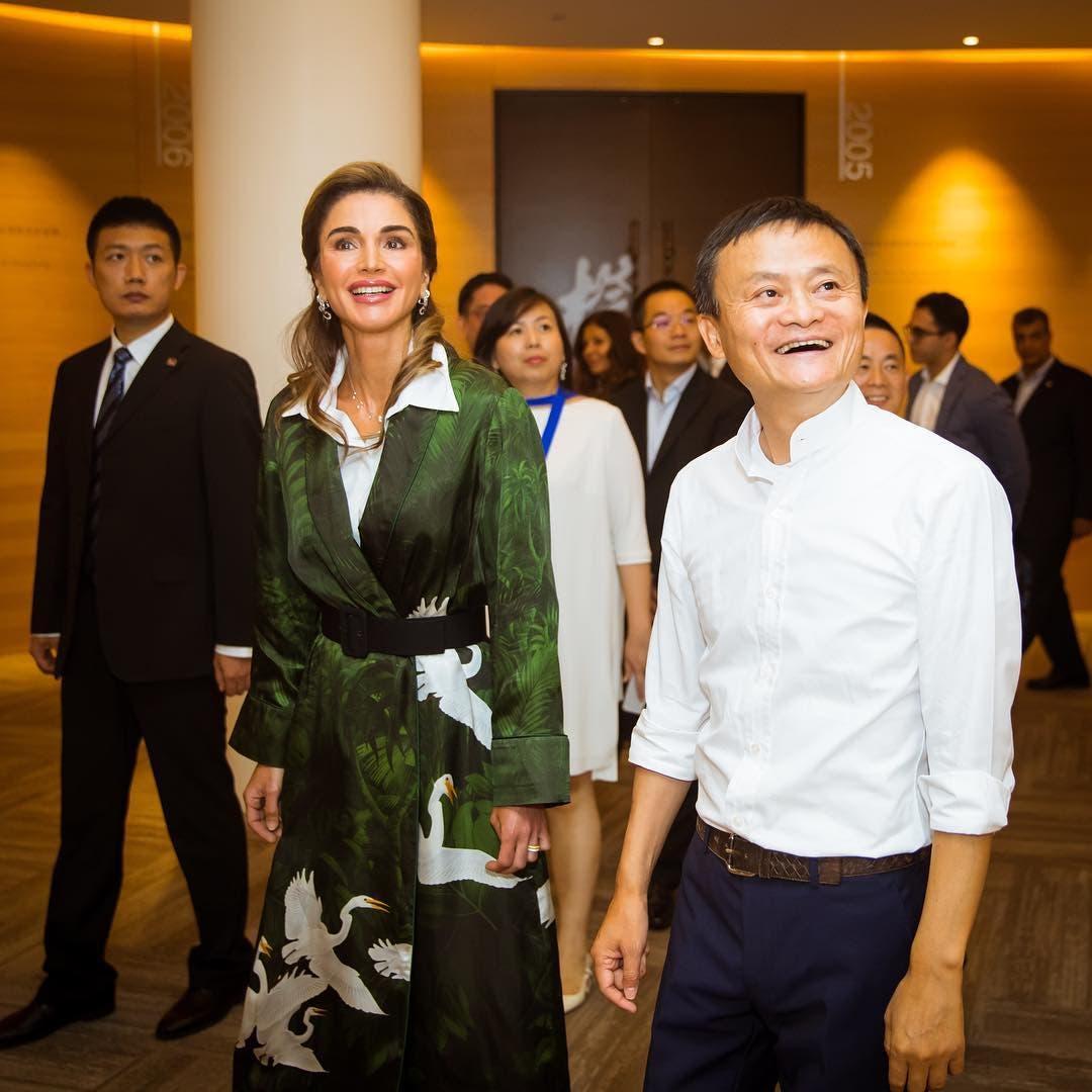 bf4634eb e72b 411b 8973 2818583fe8ff الملكة رانيا ...أكثرهن أناقة ..ولباقة