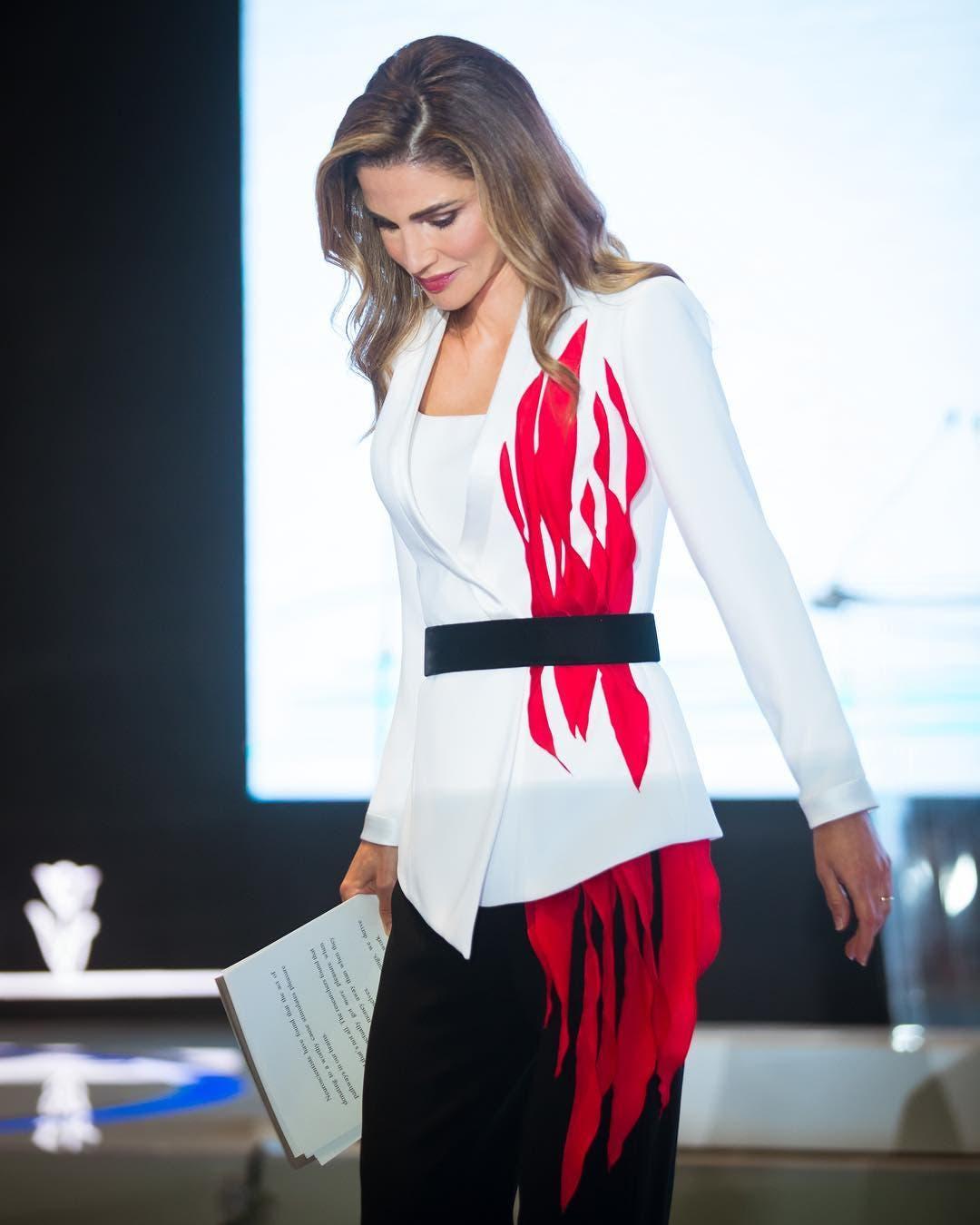 f8dc6c83 346e 48d0 b368 6d10b7221c75 الملكة رانيا ...أكثرهن أناقة ..ولباقة