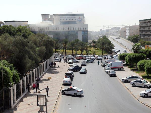 ليبيا.. انتحاريون يهاجمون مؤسسة النفط في طرابلس
