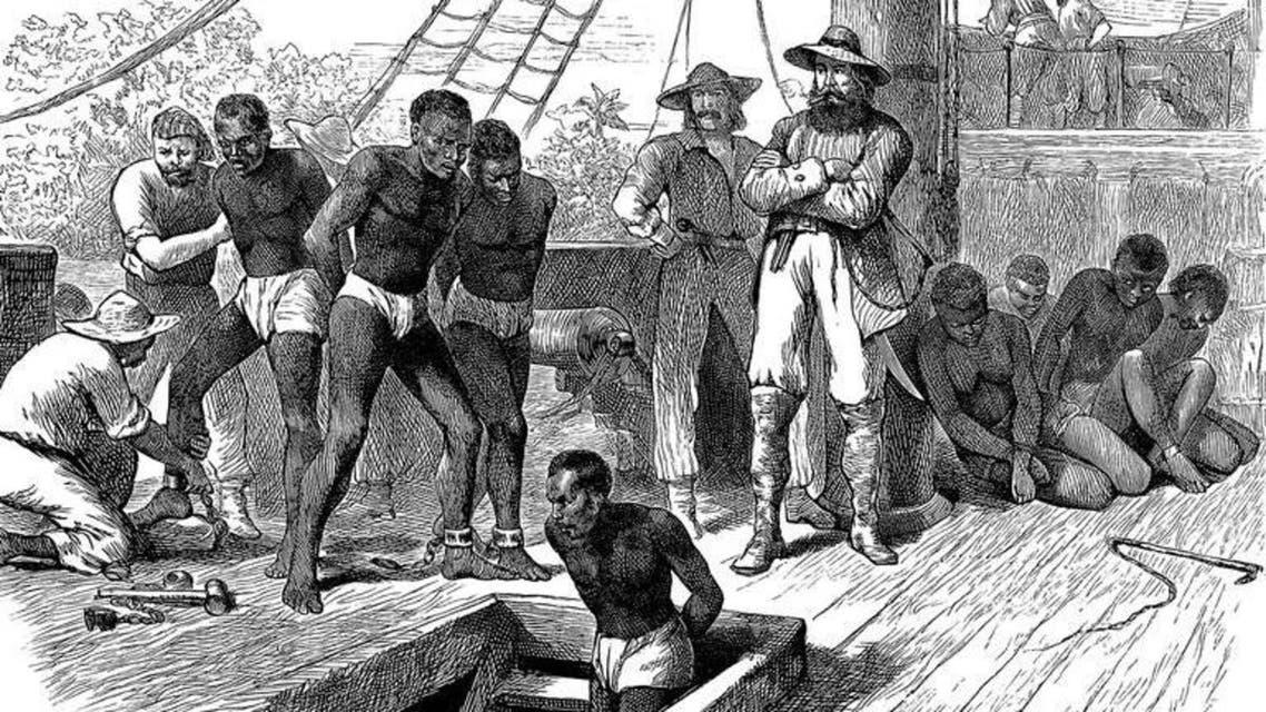 رسم تخيلي لعدد من العبيد الأفارقة قبل نقلهم نحو الأراضي الأميركية