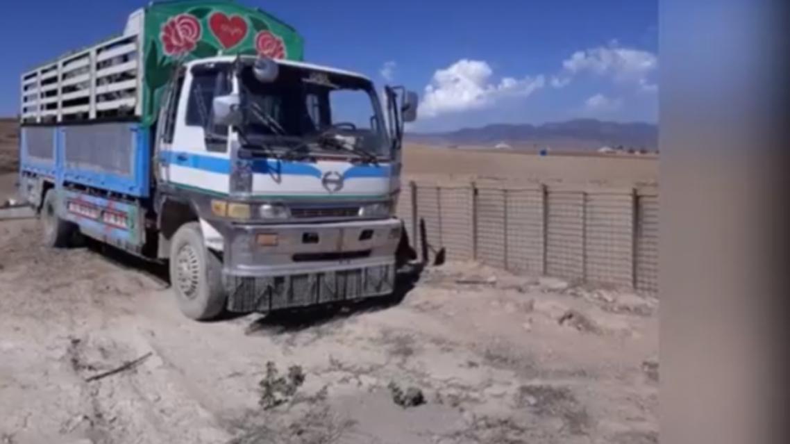 کشف یک موتر پر از مواد انفجاری که از پاکستان وارد افغانستان شده بود