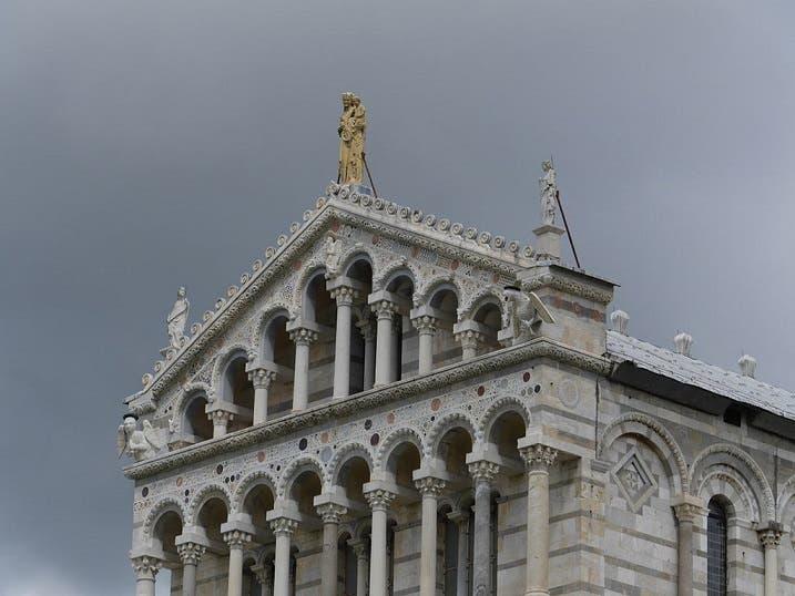 e4ae3e5d 5eb1 45e0 8364 bb68be7d320f ماقصة برج بيزا المائل ،كيف مال البرج الذي استغرق بناؤه مئتي عام؟؟؟