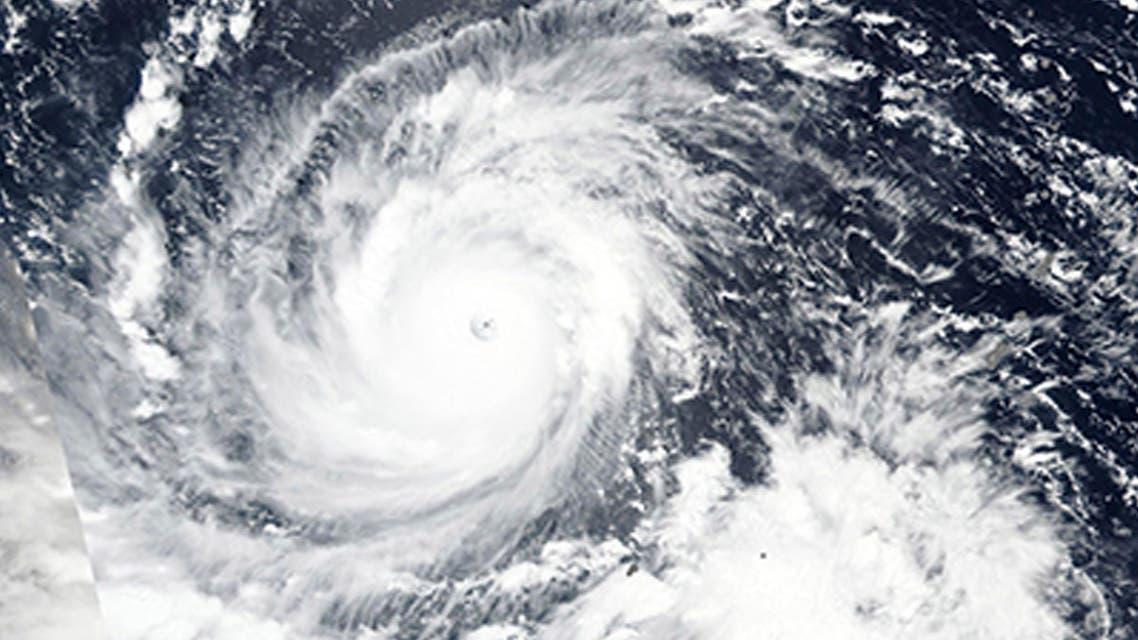 صورة بأقمار ناسا تظهر الإعصار مانغخوت متوجهاً إلى الفلبين