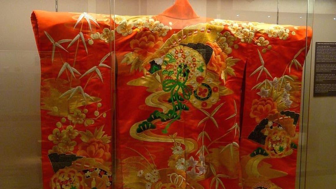 صورة لثوب كيمونو تقليدي ياباني