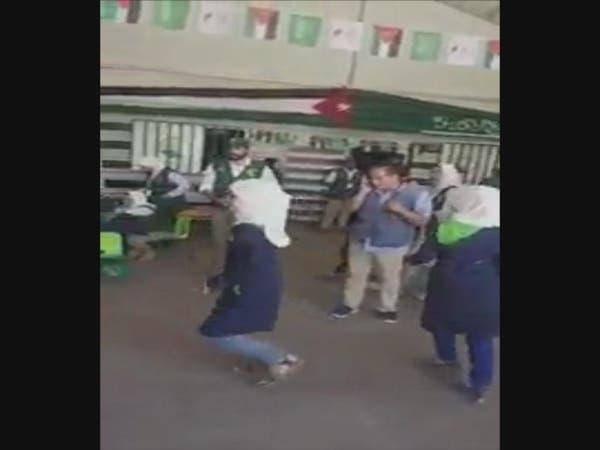بالفيديو.. طفلة سورية تستعرض مهاراتها أمام ماجد عبدالله