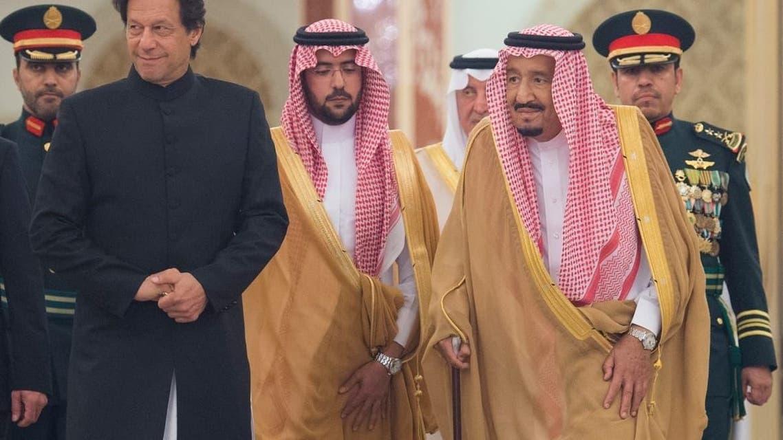 الملك سلمان يستقبل عمران خان