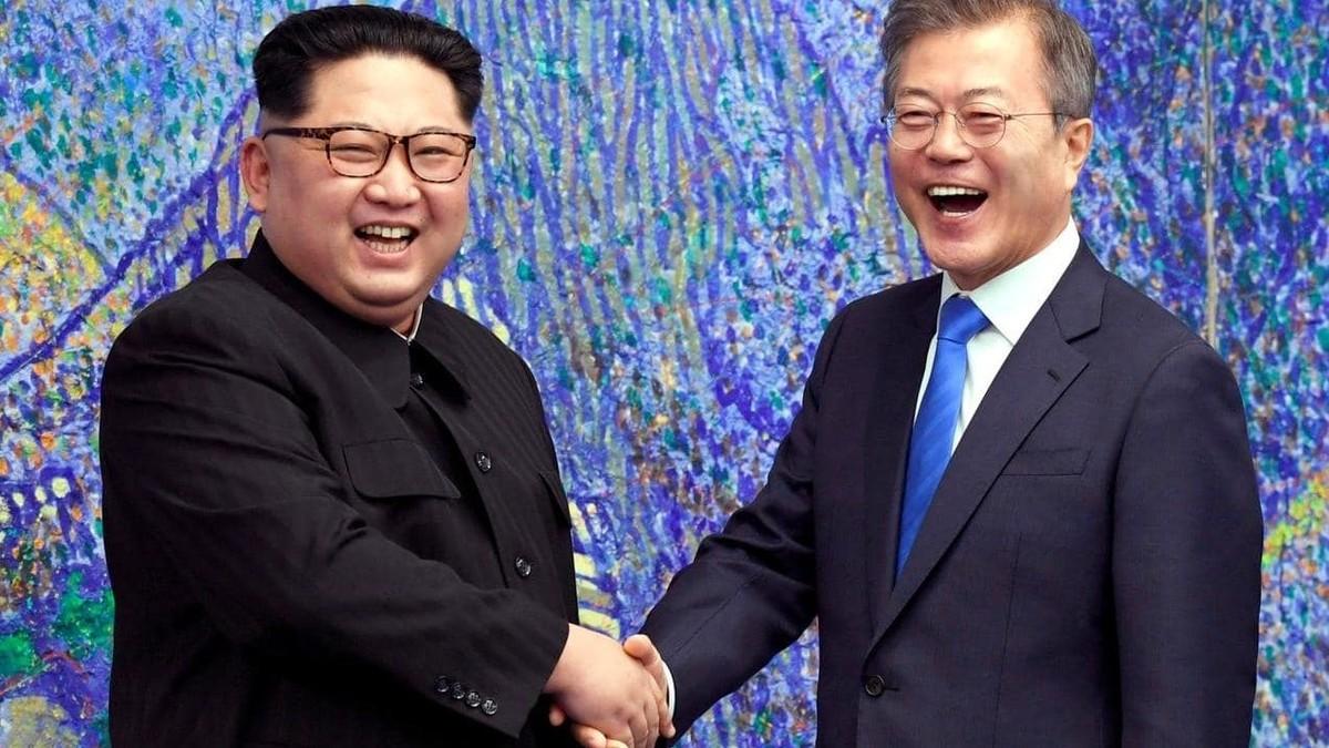 رئيس كوريا الجنوبية مون جيه-إن وزعيم كوريا الشمالية كيم جونج في بيونجيانج يوم الأربعاء