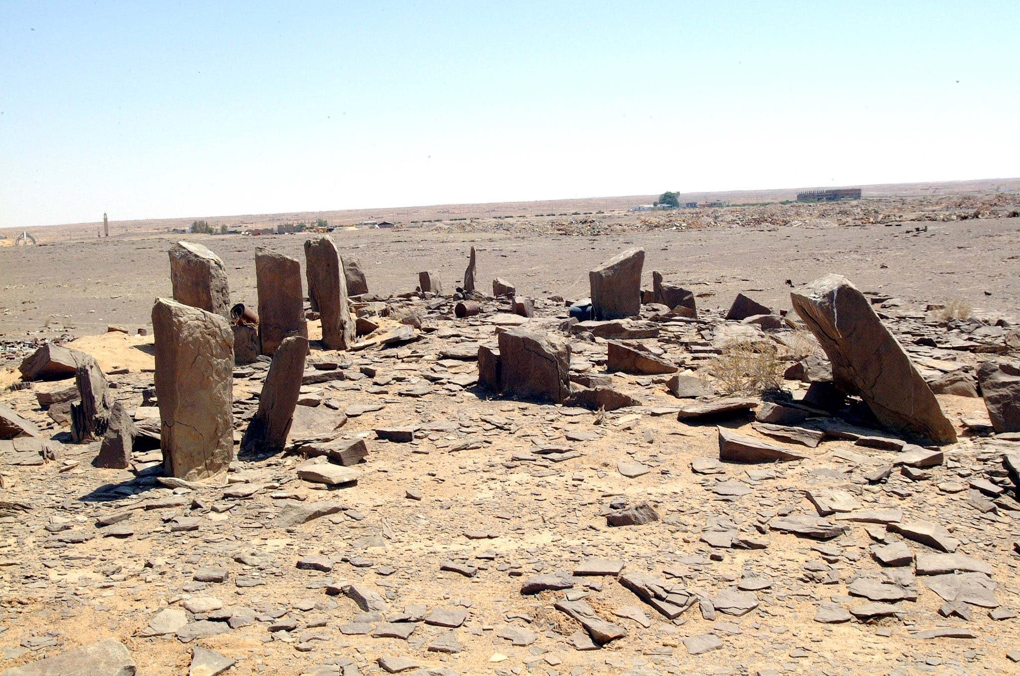 Did archeologists unveil the secret of the 'man-like' columns in Saudi Arabia?