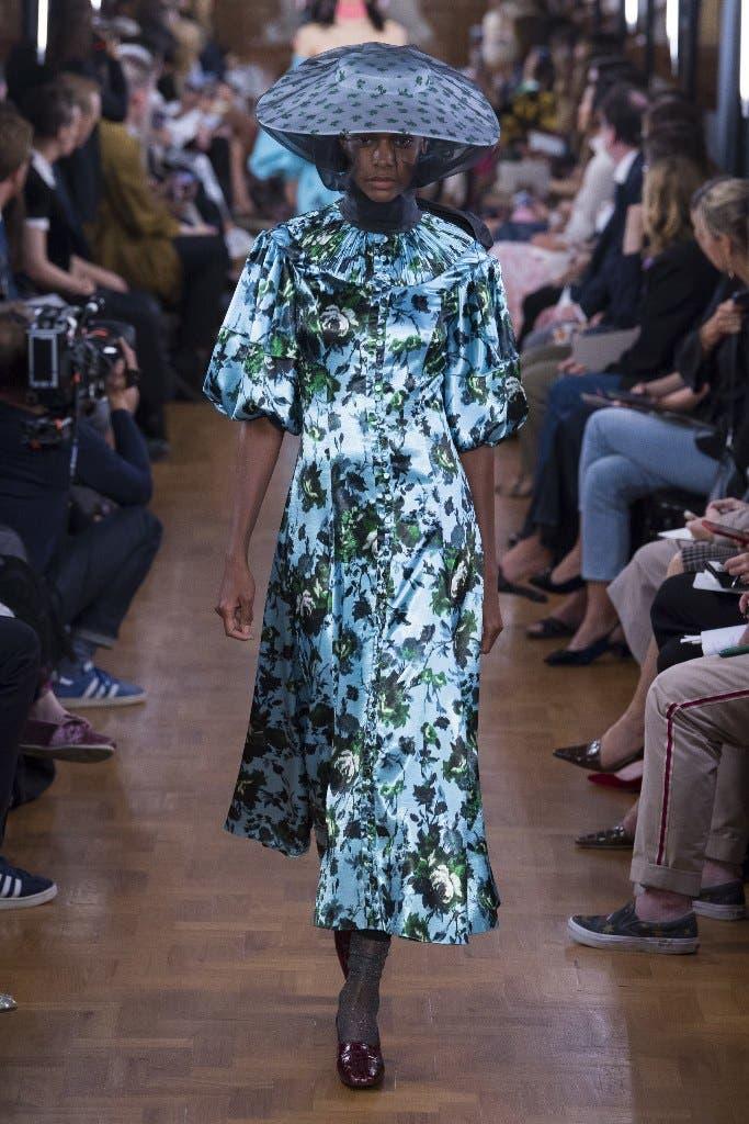 737578aa 3605 4c31 a6de 8a53fdb2b619 أجمل الفساتين من اسبوع الموضة في لندن،لاطلالة ساحرة!!