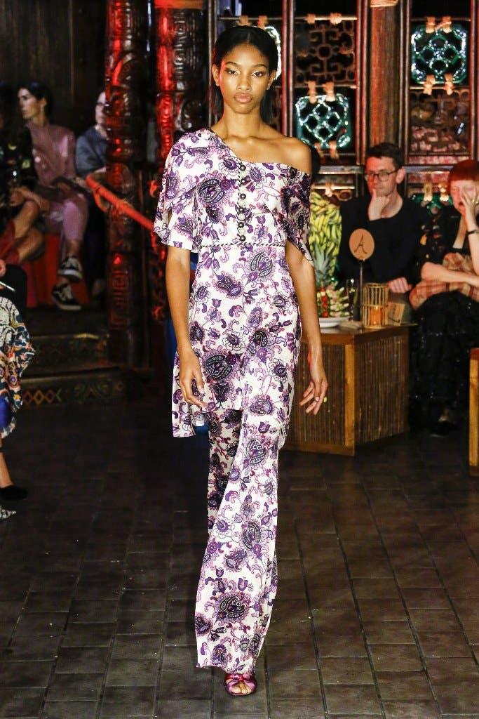 d5aa4261 bed1 46b4 8773 b824fcc483d0 أجمل الفساتين من اسبوع الموضة في لندن،لاطلالة ساحرة!!