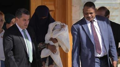 شاهد سودانية داعشية مع طفلها بالقامشلي.. وهذا مصيرها
