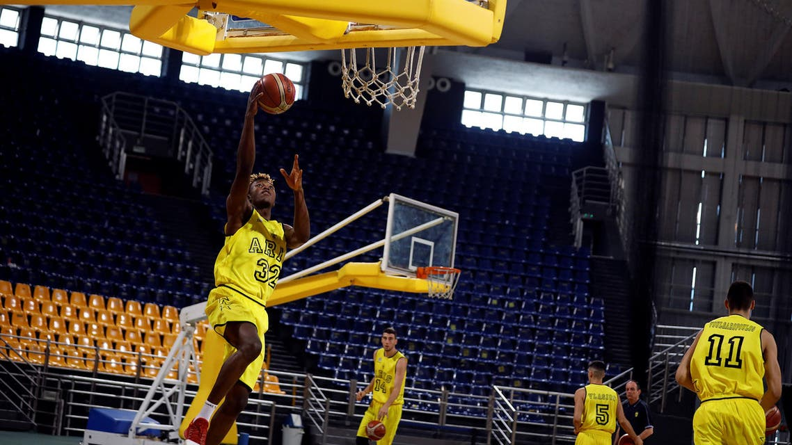 Wamba Congolese migrant in Greece basketball team. (Reuters)