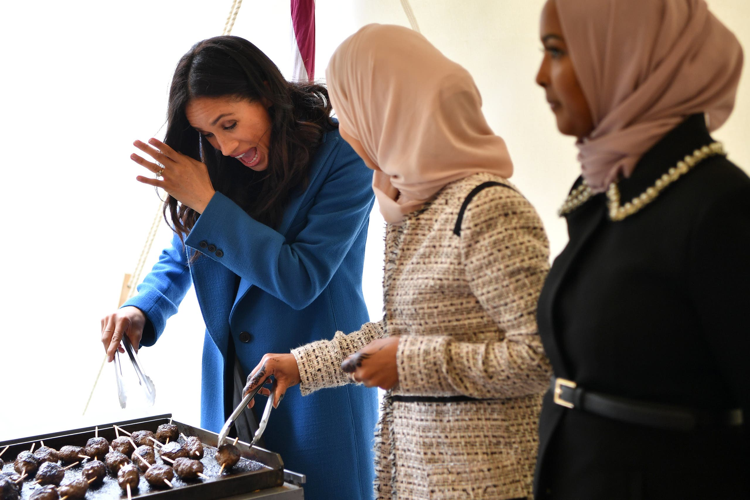%name أم ميغان ميركل تشارك ابنتها العمل الخيري لصالح المسلمين  ونشر وصفات الطعام!!!