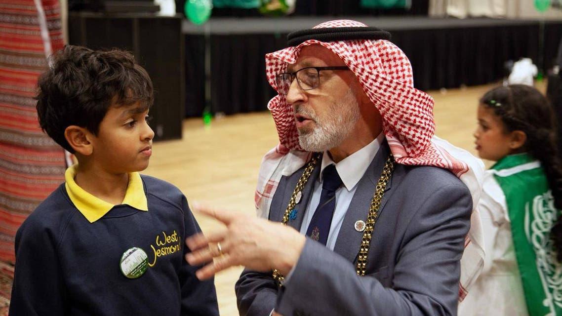 Lord Mayor of Newcastle upon Tyne dons the Shemagh on Saudi National Day