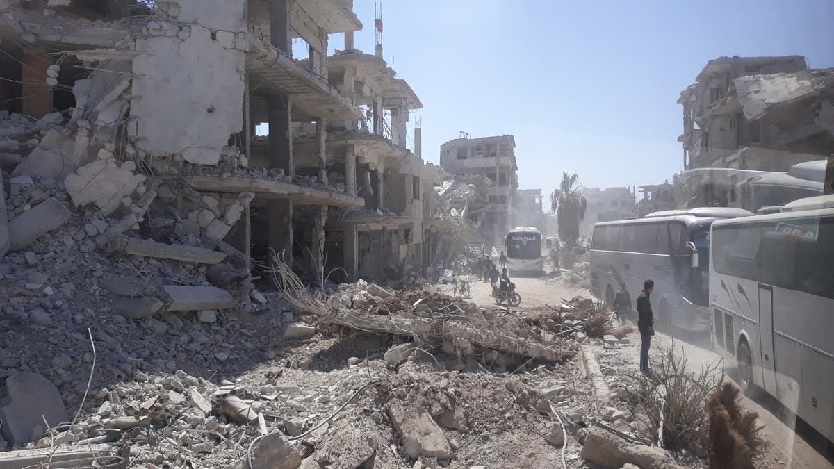 بومبيو: نموّل إعمار سوريا طالما