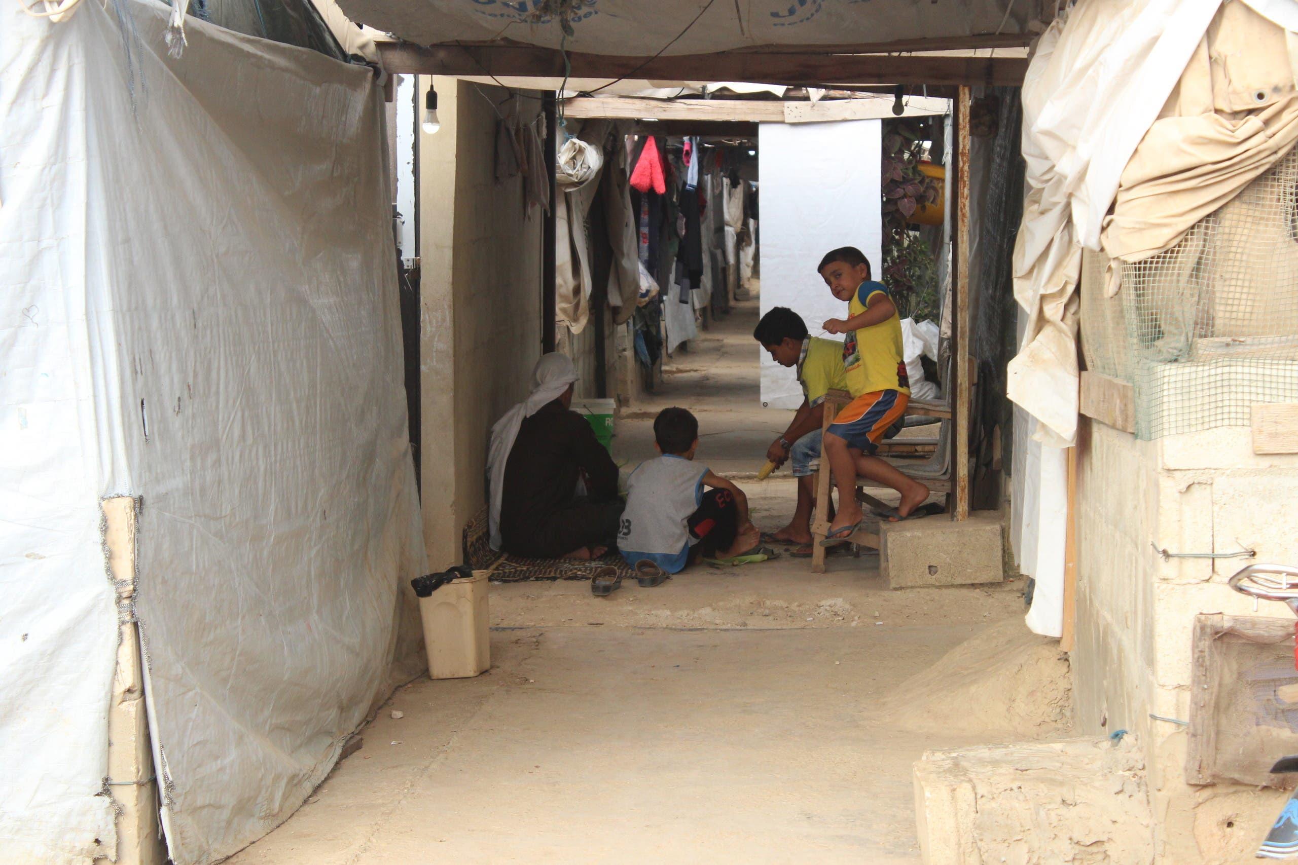 من مخيمات اللاجئين السوريين في لبنان