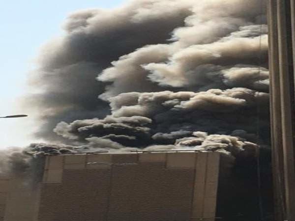شاهد.. حريق هائل يلتهم مبنى بنك الكويت الوطني
